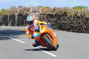 TT Stars Connect to Manx Telecom Races